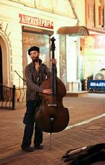 Old Arbat musician (Melanie_Nu) Tags: musician music streets walks flickr artistic moscow instrument estrellas melanienu