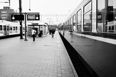 Railway station (Wirulane) Tags: november people white black train grey waiting visiting tampere