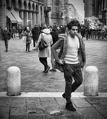 Fashion guy (Fleccki) Tags: street city portrait people urban blackandwhite bw strada fuji candid streetphotography bologna fujifilm ritratto blackdiamond xe1 streetpassionaward fujixseries fujinonxf35mm fujifilmxe1 fujixe1 vision:people=099 vision:face=099 vision:outdoor=0916