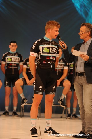 EFC-Omega Pharma-QuickStep Cycling Team   (94) (Small)