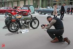 """Belle restauration d'une moto de la """"Grande Guerre"""" (mamnic47 - Over 7 millions views.Thks!) Tags: bonhams venteauxenchèresbonhams grandpalais 09022017 img0254 moto photographe motorettetypeb terrot"""