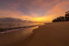 Sunrise at Terrapuri Beach, Penarik, Terengganu, Malaysia (Paul B Jones) Tags: sunrise beach terrapuri penarik terengganu malaysia canoneos1dx ef1124mmf4lusm asia asian malaisie maleisië 马来西亚 馬來西亞 malasia 말레이시아 マレーシア redang bidong resort holiday sea surf sand