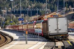Trains in Tiefencastel: Freight attached (2/4) (jaeschol) Tags: europa graubuenden grischuna kantongraubünden kontinent schweiz suisse switzerland tiefencastel albulaalvra graubünden ch