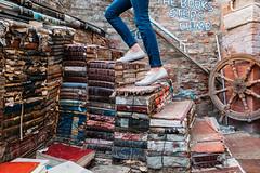 Libreria Acqua Alta (V Photography and Art) Tags: bookshop bookstore books steps libreriaacquaalta venice venezia italy italia courtyard climbingthesteps