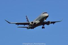 N442YX (thokaty) Tags: kbdl bradleyinternationalairport americanairlines republicairways embraer erj175 erj175lr e175 e175lr n442yx eis2014 dca