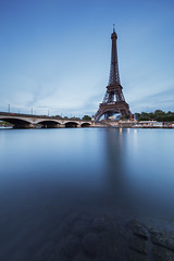Tour Bleue (PLF Photographie) Tags: eiffel tower tour bleu blue long exposure exposition longue paris france architecture seine water