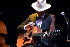 """Howe Gelb • <a style=""""font-size:0.8em;"""" href=""""http://www.flickr.com/photos/10290099@N07/33614623225/"""" target=""""_blank"""">View on Flickr</a>"""