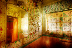 It's a great day, (crowt59) Tags: great day sun shine shining abandoned motel texas panhandle bathroom old vintage curtains mirror crowt59 nikon d810 nikonflickraward