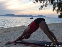 Yoga sun salutations at Kradan (11) (Eric Lon) Tags: kradanyogaavril2017 yoga sunrise salutations asanas poses postures beach plage mer thailand kradan island ile stretching flexibility etirement souplesse body corps fitness forme health sante ericlon