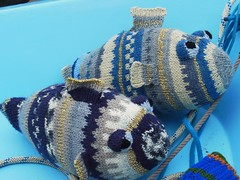 Pesce jacquard (stranelane1) Tags: pesce pesci fish maglia knit knitting knitted tricot baby toy giocattolo peluche