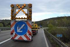 A8 bei Pforzheim-Ost: Ölspurbeseitigung - 17.04.2017 (GoldstadtTV) Tags: a8 ölspur sperrung strasensperre strasensperrung gesperrt