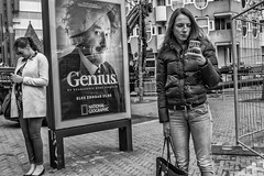 genius&smartphones (Peter M. Meijer) Tags: rotterdam netherlands holland urban city candid fujixt20 fujinon27mm pancake people man street strada strasse calledejera straat