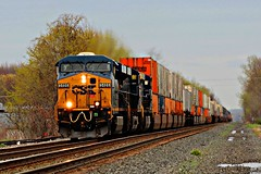 CSX 5486 leading the charge west (cheliman) Tags: csx ge es40dc locomotive train freighttrain stacks intermodal westbound