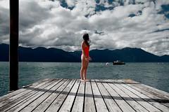 IMG_R E D (I N S I D E) Tags: lake muelle south sur sky red wood