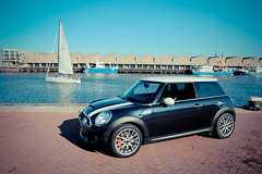 Freshly detailed Mini JCW chilling at the docks. (Blitserbeeld) Tags: blitserbeeld carphotography automotiveimaging carsaroundtheworld drivingmachines minijcw jcw johncooperworks harbour docks