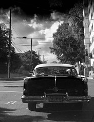 When traffic smiles upon you (The Big Jiggety) Tags: automobile voiture 1950s fifities retro nostalgia sky clouds nuages nuves cielo ciel himmel
