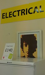 Dylan electrical (misterworthington) Tags: scotland fridge glasgow bobdylan freezer electrical partick bargain charityshop hotpoint freezerburn 140 frdgefreezer