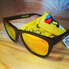 Oakley Frogskins Valentina Rossi VR46 Limited Edition Sunglasses (scarcetoys) Tags: sunglasses bike toys south australia motorbike adelaide fixie motor limited edition rossi oakley valentina streetwear scarce frogskins vr46 uploaded:by=instagram scarcetoys foursquare:venue=5179e8ea498e3d703eb82b9a