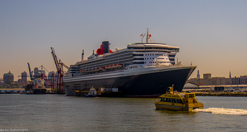 Water Taxi and Queen Mary 2
