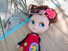 Petunia (Helena / Funny Bunny) Tags: beach doll kenner blythe brunette kennerblythe funnybunny petuniakibbles fbfashion