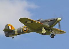 Hawker Sea Hurricane Mk.Ib c/n CCF/41H/4013 Z7015 (G-BKTH) - look, no hands (stancs) Tags: shuttleworth hawkerhurricane shuttleworthcollection hawkerseahurricane gbkth z7015