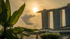 Marina Bay Sands (dirk kirchner [www.unforgiven-art.de]) Tags: sun holiday clouds sunrise singapore asia asien urlaub singapur marinabay marinabaysands pentaxk5 dirkkirchner exposureunforgivenartde