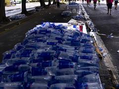 XXXI Maratn de la Cd. de Mxico (Lonjho) Tags: color sports water mxico race agua mexicocity marathon deporte jogging carrera distritofederal trote maratn pentaxkx ciudaddemxico waterbag bolsadeagua pentaxdal1855 ljhdf ljhgte ljhdal1855 ljhpkx ljhclr xxximaratn ljh31m