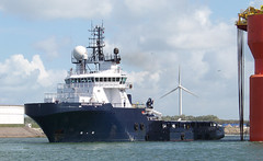 HIGHLAND COURAGE (kees torn) Tags: offshore tugs hoek portofrotterdam ahts highlandcourage