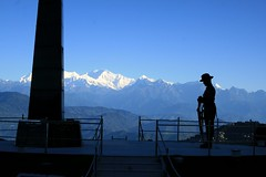Darjeeling War Memorial (Stue3103) Tags: india morninglight himalaya darjeeling