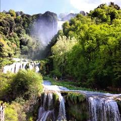 La Cascata delle marmore (FeDesigns) Tags: green nature natura falls umbria cascate cascata cascatadellemarmore marmorefalls fiumenera fiumevelino spettacolodellanatura cittdacqua