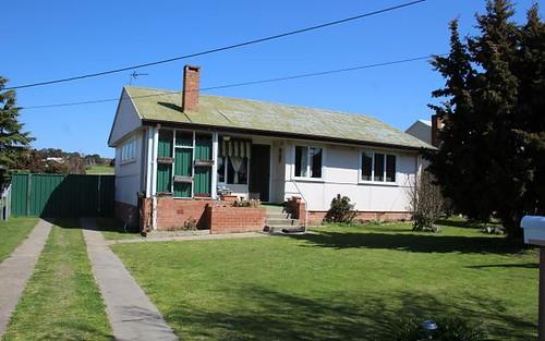 20 Frape Street, Blayney NSW 2799