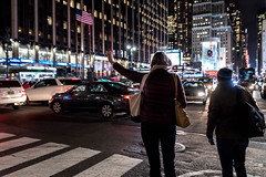 Taxi! (Kofi_MT) Tags: streetphotography night manhattan street people lights reise everydaylife urban peoplephotography travel nyc newyork trafic newyorkcity availablelight nightphotography urbanphotography rushhour travelphotography