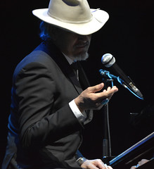 """Howe Gelb • <a style=""""font-size:0.8em;"""" href=""""http://www.flickr.com/photos/10290099@N07/32800882133/"""" target=""""_blank"""">View on Flickr</a>"""