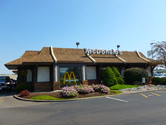 McDonald's, Harrison, OH (07) (Ryan busman_49) Tags: mcdonalds harrison cincinnati ohio mansard vintage restaurant retail