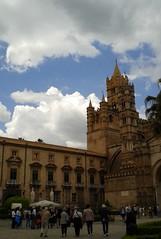 Dettaglio Cattedrale e Pal.zo Arcivescovile (dona(bluesea)) Tags: cattedrale cathedral nuvole clouds palermo silia sicily italia italy