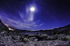 Lunatika (libretacanaria) Tags: luna moon nightscape night nocturna noche riscos cruz cross grancanaria canarias thecanaryislands star estrellas samyang12mm nikond610