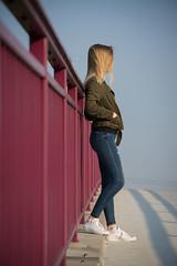Portrait III (rosaroyale) Tags: jungefrau brücke bridge outdoorshooting youngwoman girl mädchen perspektive