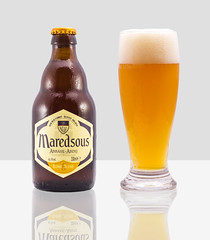Maredsous Blonde 6 (Alvimann) Tags: alvimann belgica belgianblonde belgium belga montevideo montevideouruguay photo product producto products productos beer beers bebida bebe beber beverage blonde blondebeer blond cerveza cervezarubia cervezas cervezasrubias taste tasty tastes sabor sabroso sabores sabrosa bubble bubbles burbuja burbujas maredsous maredsousblonde maredsousblonde6 abbayeabdij maredsousabbayeabdijblonde6 maredsousabbayeabdijblonde maredsousabbayeabdij abbey abadia bottle botella shape shapes forma formas form forms alcohol alcoholic alcoholica alcoholics