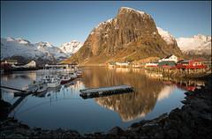 N o r w a y (jeanny mueller) Tags: norway norge norwegen winter lofoten hamnoy arctic harbour mountain see boat ship landscape seascape sunrise morning