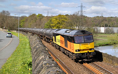 Colas And The Calder. (Neil Harvey 156) Tags: railway 60047 brighouse caldervalley prestondockstanks prestontanks bitumentanks 6e32 class60 colasrail colas tug