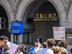 2017.04.15 #TaxMarch Washington, DC USA 02408 (tedeytan) Tags: pennsylvaniaavenue resistance taxmarch taxmarchdc taxmarcdc trumpchicken trumpinternationalhotel donaldtrump protest uscapitol washington dc unitedstates geo:city=washington exif:focallength=598mm exif:make=sony exif:model=ilce6300 geo:state=dc exif:aperture=ƒ56 camera:model=ilce6300 geo:country=unitedstates exif:isospeed=100 camera:make=sony exif:lens=e18200mmf3563