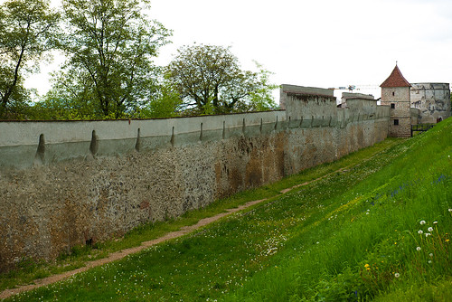 Town wall, Brasov, Romania ©  Andrey