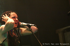 Hybryds (Bert Van den Wyngaert) Tags: coalescaremonium etterbeek belgië belgium boucheàoreille concert live concertphotography hybryds