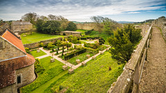 Carisbrooke Castle - Revisted (Ian Johnston LRPS) Tags: red carisbrooke castle ruins english newport 2017 history heritage nikn d800 tokina1116f28