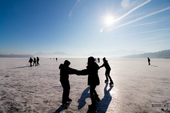 Ice Fun (Bullseye Pictures) Tags: silhouette chiemsee chiemgau see eis ice skating schlittschuhlaufen sun sonne