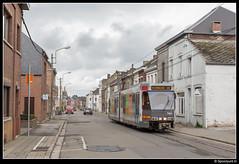 TEC 7404 - M1/33 (Spoorpunt.nl) Tags: 1 april 2017 tec bn wagen tram métro léger de charleroi mlc premetro brugeoise et nivelles lrv light rail véhicule 7404 lijn m1 rit 33 anderlues rue la station