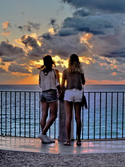 [ Amiche di valigia - Suitcase girlfriends ] DSC_0486.5.jinkoll (jinkoll) Tags: sunset street people gals girls sea horizon balustrade promenade waves reflections clouds sky tropea calabria traveling travel tourists blonde brunette gradient saturation shorts pants wind windy weather