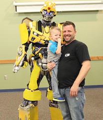 Georgetown Branch Celebrates Libraries with a visit from Bumblebee (ACPL) Tags: acpl allencountypubliclibrary fortwaynein georgetown geo 2017 nationallibraryweek familyfunnight bumblebee