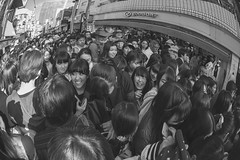 HAIR (ajpscs) Tags: ajpscs japan nippon 日本 japanese 東京 tokyo city ニコン nikon d700 105mm fisheyelens tokyostreetphotography streetphotography street seasonchange spring haru はる 春 2017 shitamachi monochromatic grayscale monokuro blackwhite blkwht bw blancoynegro blackandwhite monochrome urban people othersideoftokyo strangers walksoflife 白&黒 handsholding harajuku hair goodday