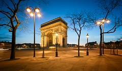 Arc de Triomphe, Paris (Beboy_photographies) Tags: blue paris france sunrise de arc triomphe hour bluehour arcdetriomphe